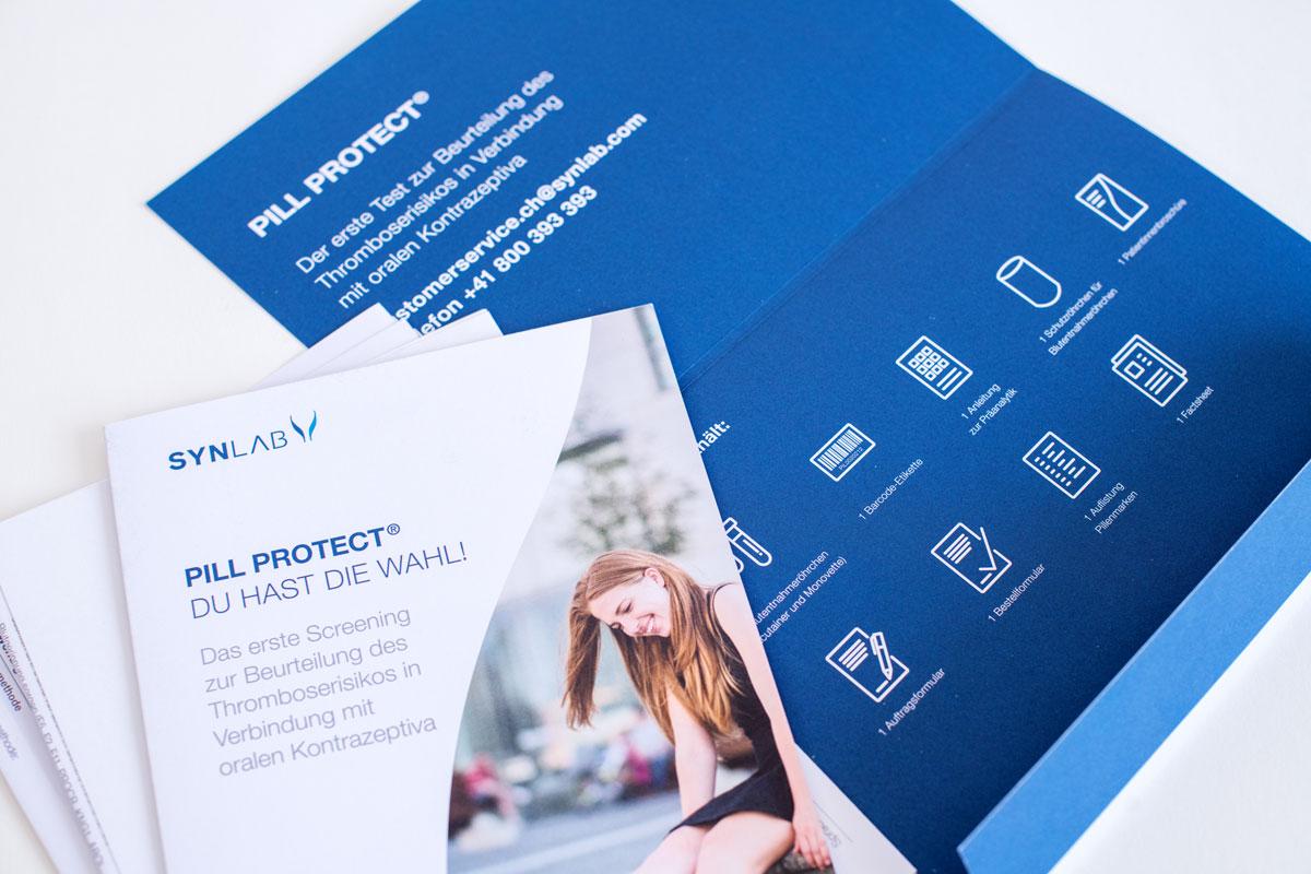 Pill Protect Broschüre mit dem neuen Corporate Design von Synlab umgesetzt