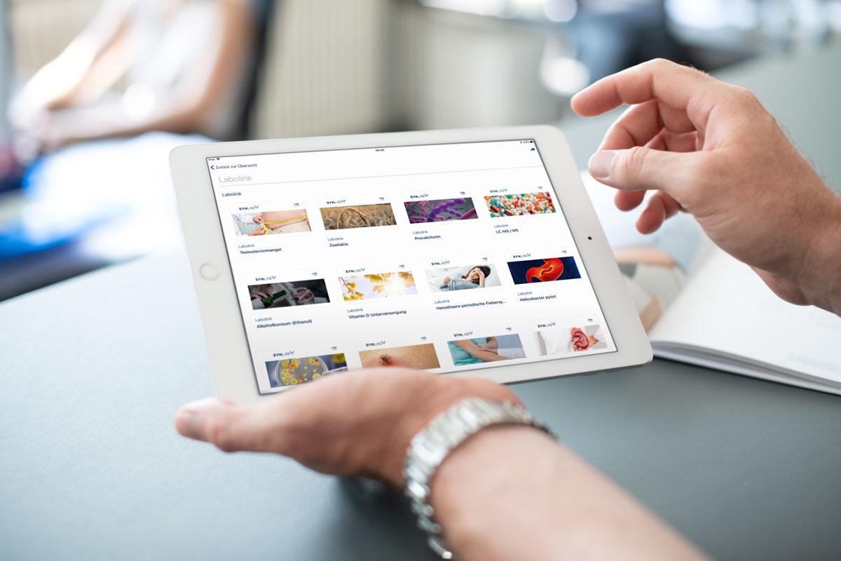 Darstellung von Marketingunterlagen auf der programmierten SYNLAB iPad App