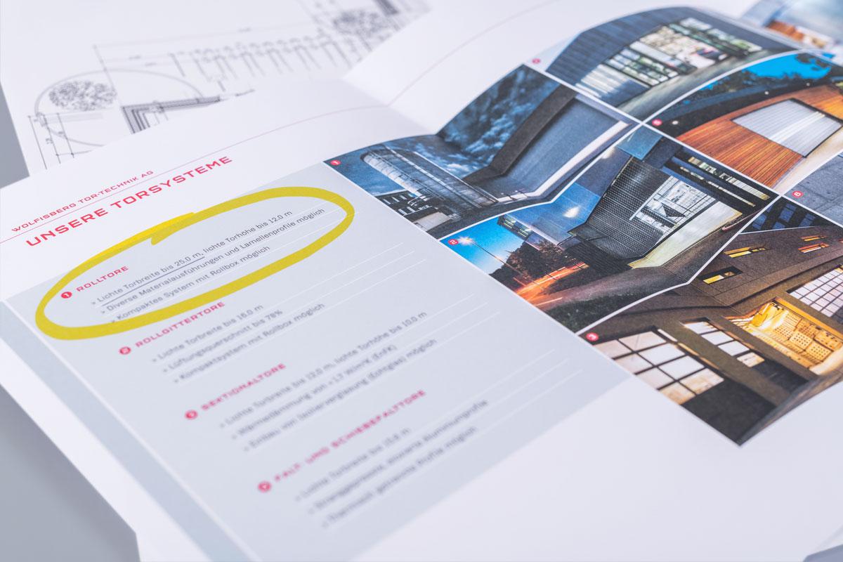 Dialog Marketing Mailing mit besonderer Kennzeichnung einer Produktbroschüre