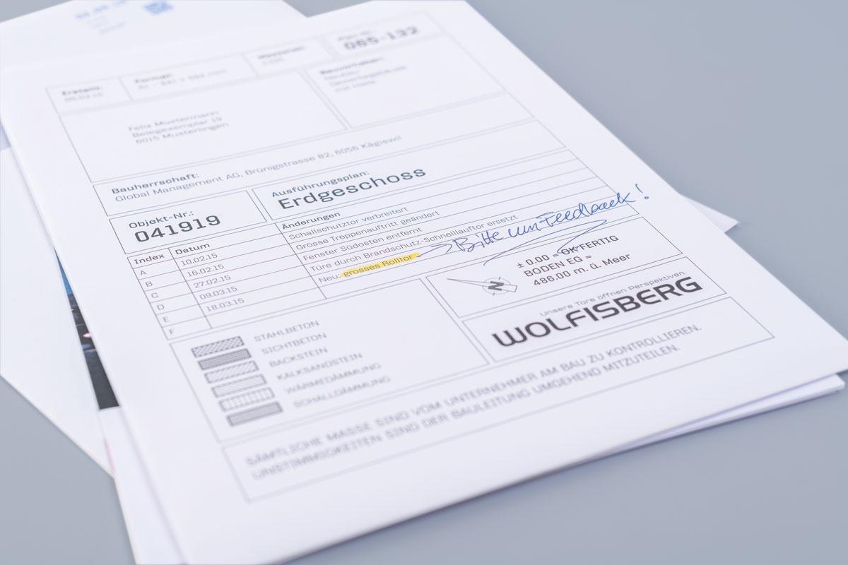 Dialogmarketing Massnahme in Form eines Kundenmailings mit handschriftlichen Notizen versehen